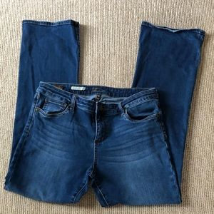 Kut from the Kloth Baby Bootcut Jeans in Size 14